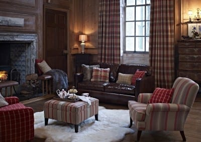 HIGHLANDS - Living Room - Seating - Drapery